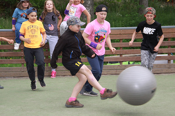 Camp Bruke lockade över 80 barn till idrott