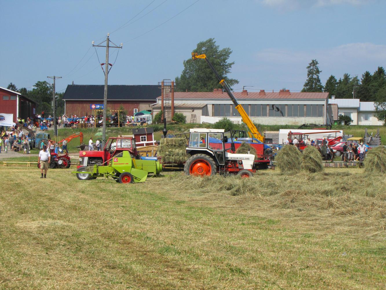 Traktorkavalkad1