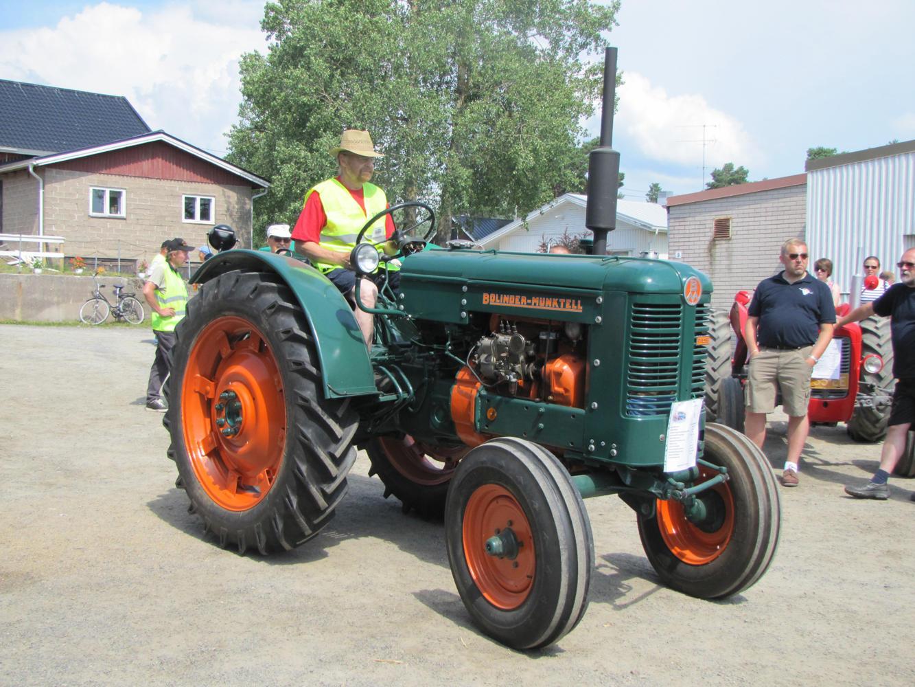 Traktorkavalkad3