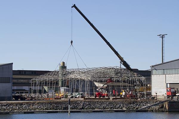 DB-marina reser hall på industriområdet