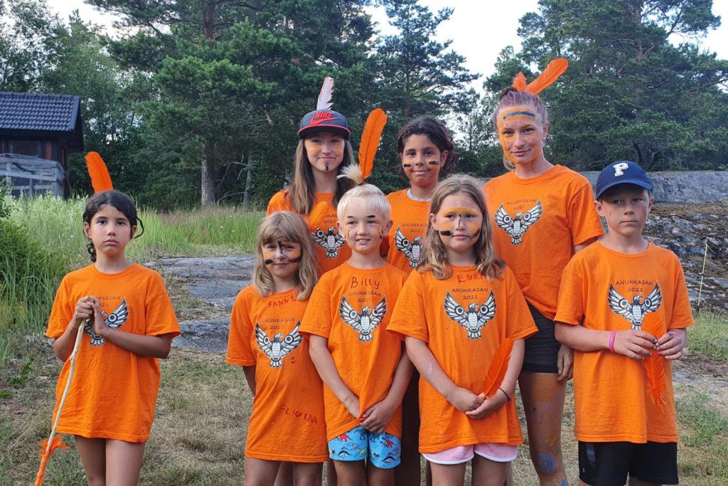 Biskopsön leirillä iloisia lapsia